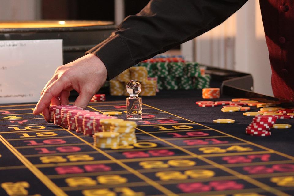 Uudet kasinot netissä tarjoavat myös tuttuja kasinopelejä